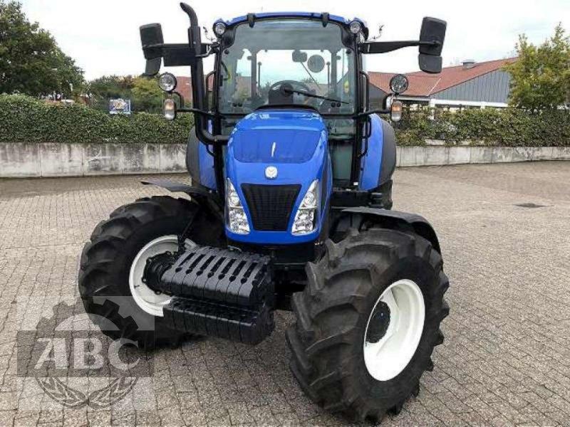 Traktor des Typs New Holland T5.105 DC KABINE SUP, Neumaschine in Bösel (Bild 8)