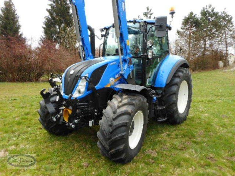 Traktor des Typs New Holland T5.120 Electro Command, Vorführmaschine in Münzkirchen (Bild 2)