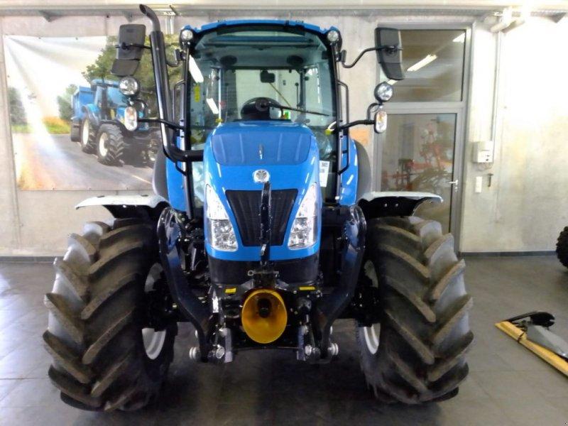 Traktor des Typs New Holland T5.85 DC, Neumaschine in Burgkirchen (Bild 1)