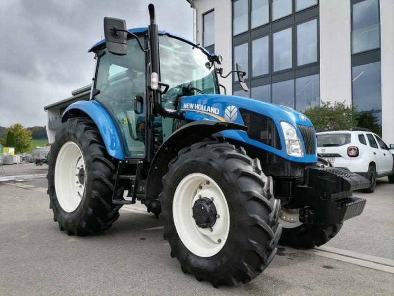 Traktor des Typs New Holland T5.95 Schlepper, Gebrauchtmaschine in Altenstadt (Bild 1)