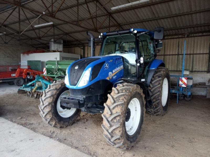 Traktor типа New Holland T6-145AC, Gebrauchtmaschine в ANTIGNY (Фотография 1)