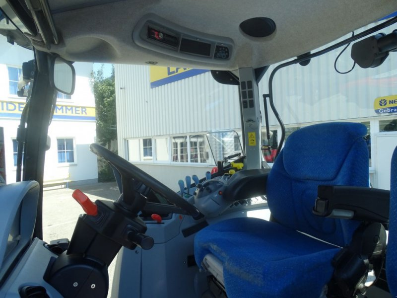 Traktor des Typs New Holland T6050 Elite, Gebrauchtmaschine in Burgkirchen (Bild 7)