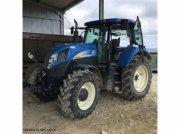 Traktor типа New Holland T6070, Gebrauchtmaschine в ISSOUDUN