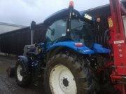 Traktor типа New Holland T6.145 ELECTROCOMMAND T4B, Gebrauchtmaschine в TREMEUR
