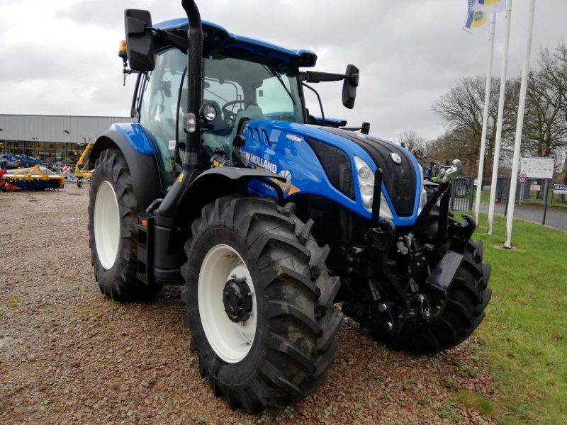 Traktor του τύπου New Holland T6.155 AUTOCOMMAND T4B, Gebrauchtmaschine σε TREMEUR (Φωτογραφία 1)
