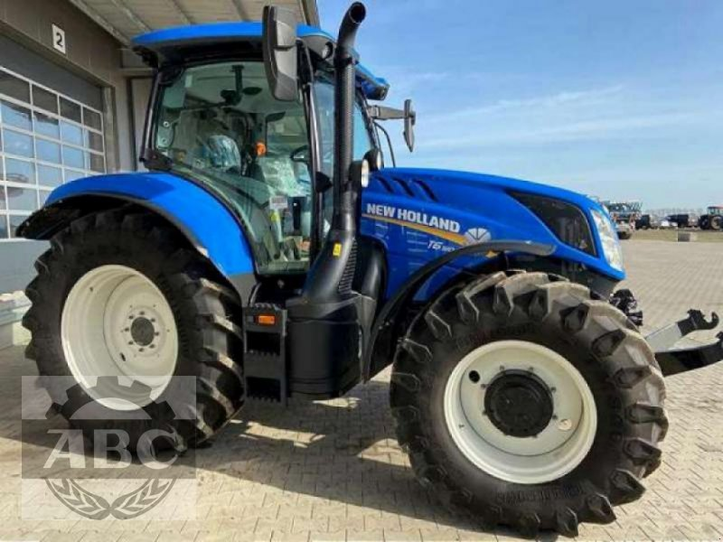 Traktor des Typs New Holland T6.180 DYNAMIC COMMAND MY18, Neumaschine in Klein Bünzow (Bild 1)