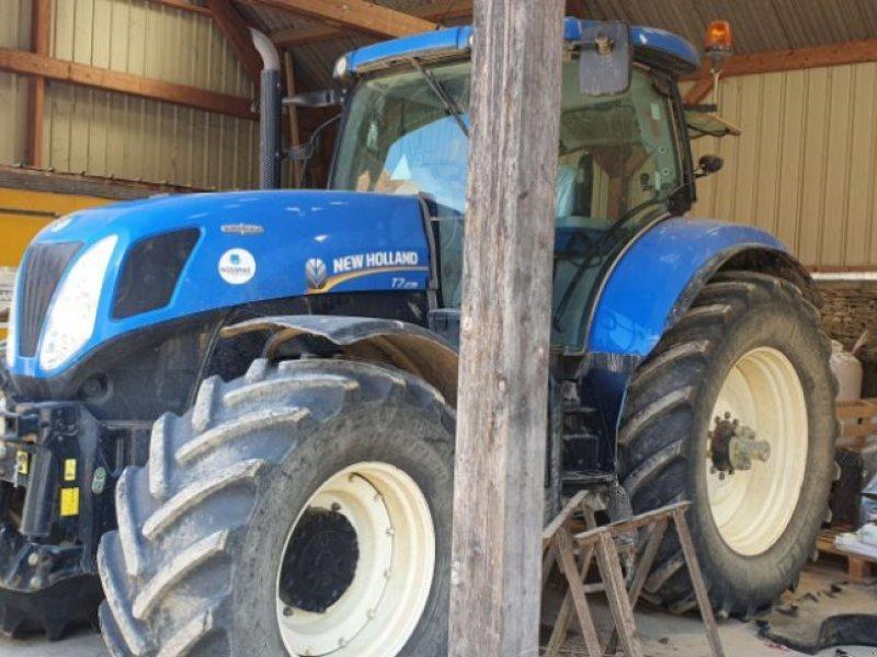 Traktor typu New Holland T7-235AC, Gebrauchtmaschine w CHAUMONT (Zdjęcie 1)