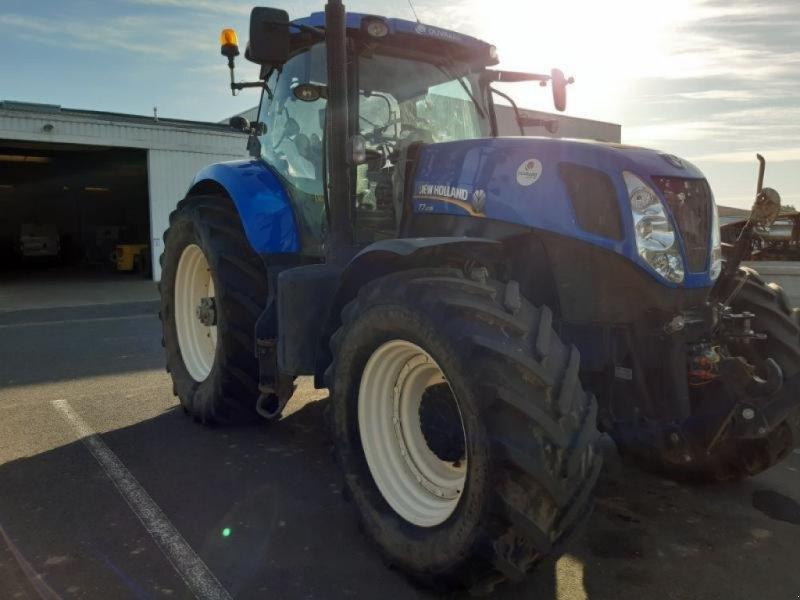 Traktor typu New Holland T7-235PC-SW, Gebrauchtmaschine w ANTIGNY (Zdjęcie 1)