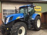 New Holland T7030 Med frontlift Traktor