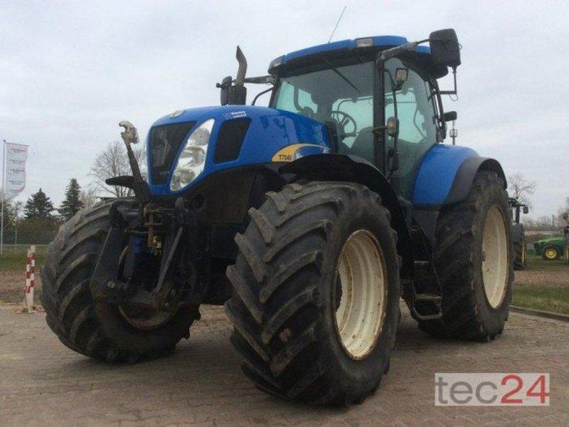 Traktor des Typs New Holland T7040, Gebrauchtmaschine in Goldberg (Bild 3)