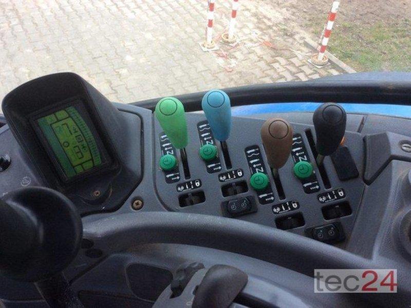 Traktor des Typs New Holland T7040, Gebrauchtmaschine in Goldberg (Bild 6)