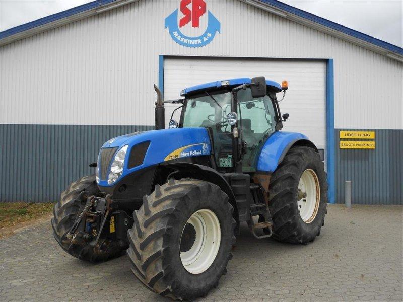 Traktor des Typs New Holland T7060 SS Frontlift, Gebrauchtmaschine in Skanderborg (Bild 1)