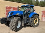 Traktor des Typs New Holland T7060 in Beelitz