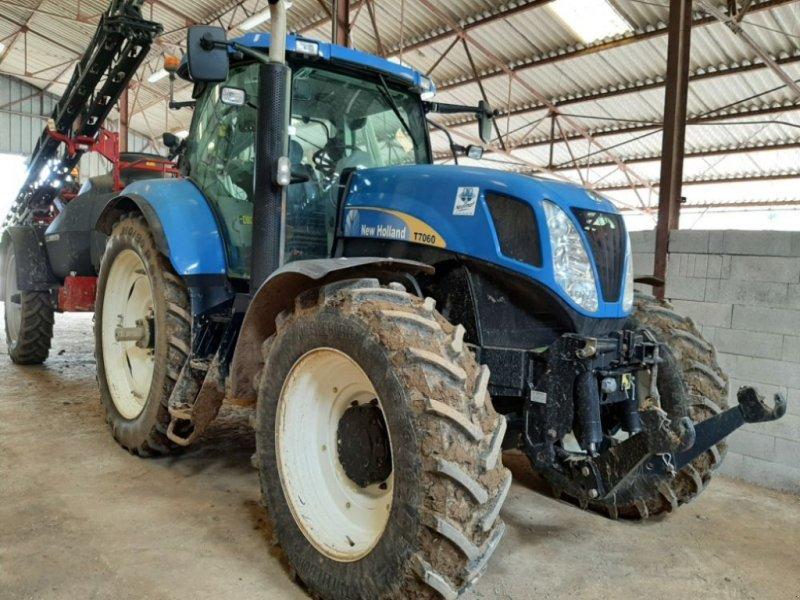 Traktor типа New Holland T7060PC, Gebrauchtmaschine в CHAUMONT (Фотография 1)