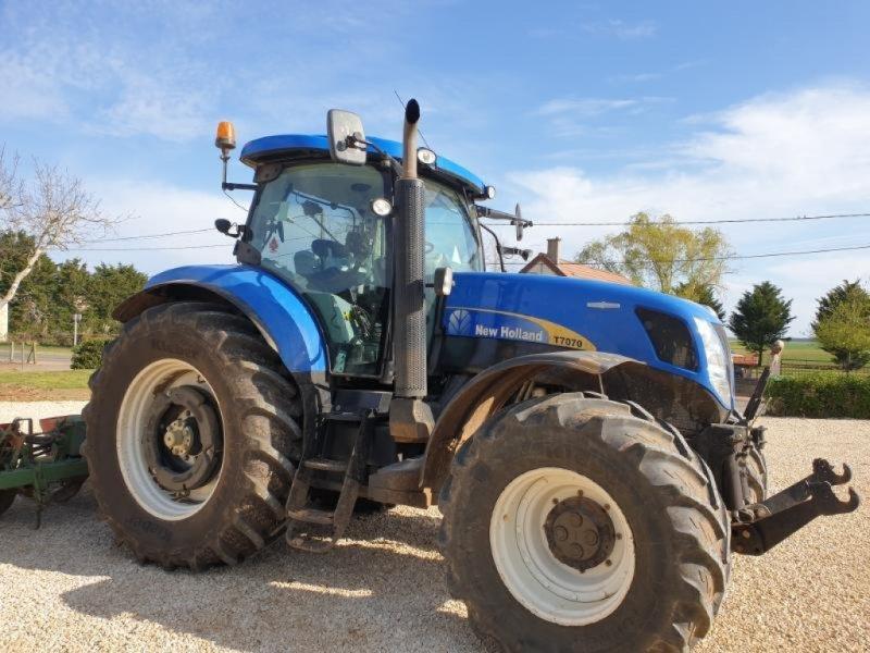Traktor tip New Holland T7070AC, Gebrauchtmaschine in Bray En Val (Poză 1)