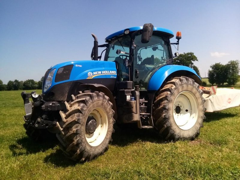 Traktor типа New Holland T7.170 RANGE COMMAND, Gebrauchtmaschine в TREMEUR (Фотография 1)