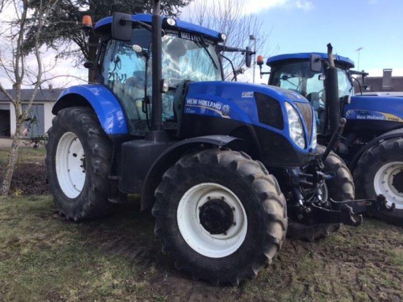 Traktor типа New Holland t7.200, Gebrauchtmaschine в les hayons (Фотография 1)