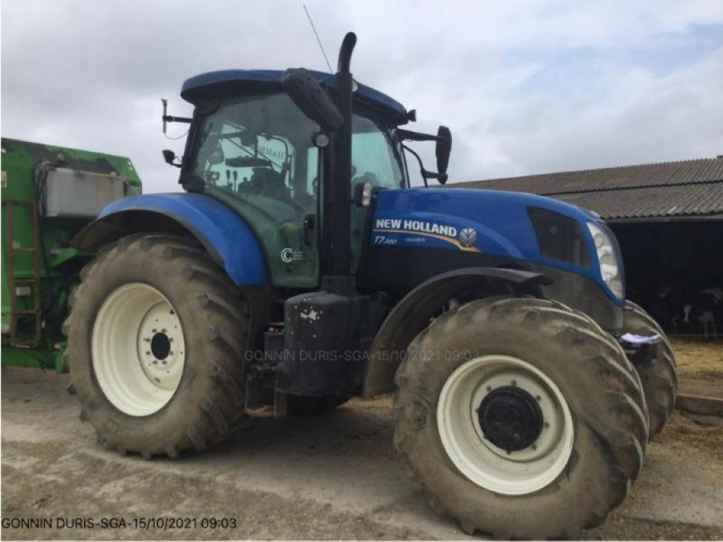 Traktor типа New Holland T7.200, Gebrauchtmaschine в NIORT (Фотография 1)