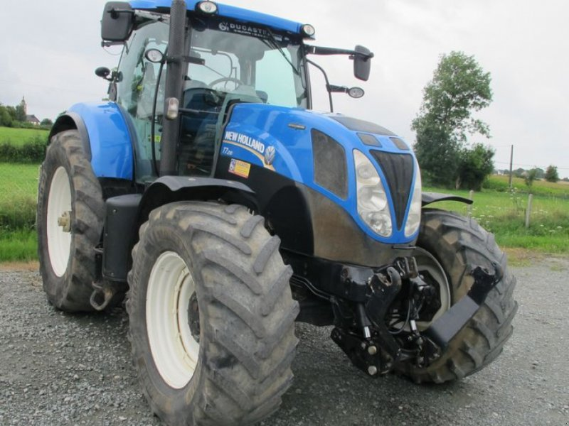 Traktor типа New Holland T7.210 AUTO COMMAND, Gebrauchtmaschine в Saint Ouen du Breuil (Фотография 1)