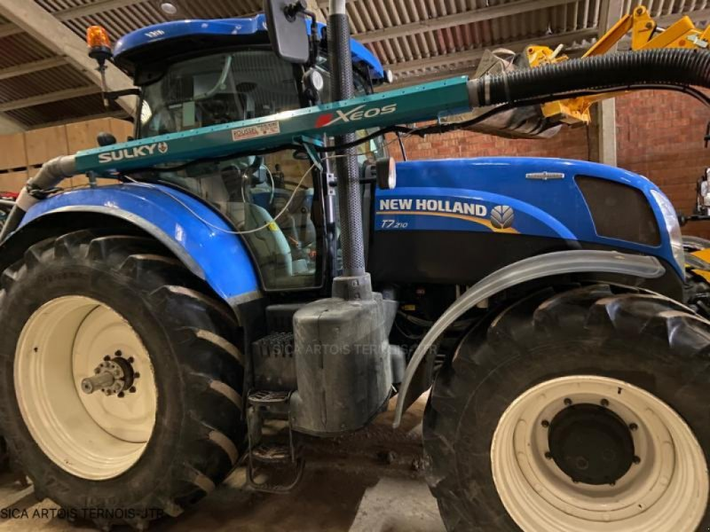 Traktor типа New Holland T7.210 AUTOCOMM, Gebrauchtmaschine в HERLIN LE SEC (Фотография 1)