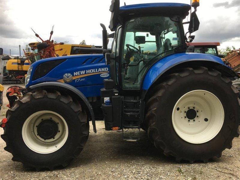 Traktor des Typs New Holland T7.210 PowerComand Classic med fr. lift + PTO, Gebrauchtmaschine in Roskilde (Bild 1)