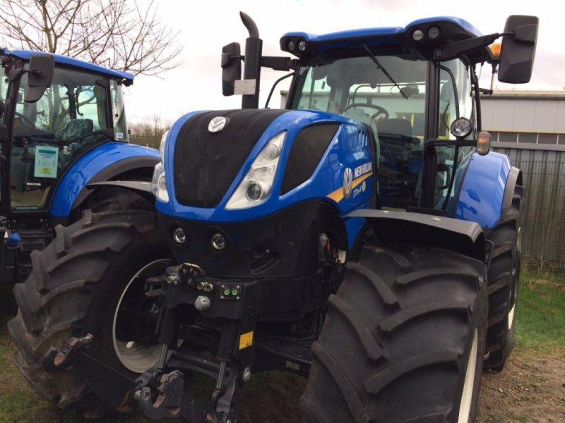 Traktor des Typs New Holland T7.215S PC, Gebrauchtmaschine in BREITENFELDE (Bild 1)