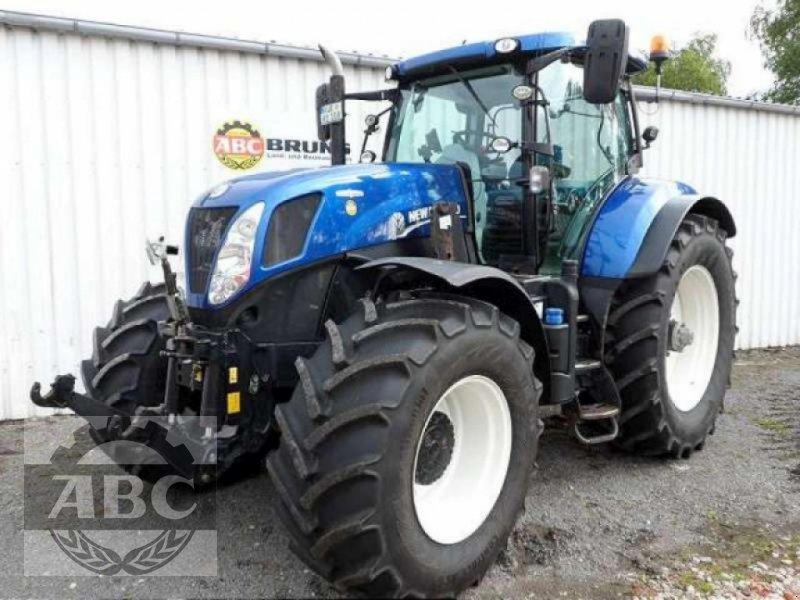 Traktor des Typs New Holland T7.220 AUTOCOMMAND, Gebrauchtmaschine in Aurich (Bild 1)