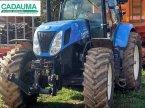 Traktor des Typs New Holland T7.220 PC в CALMONT