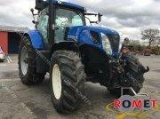 Traktor типа New Holland T7220, Gebrauchtmaschine в Gennes sur glaize