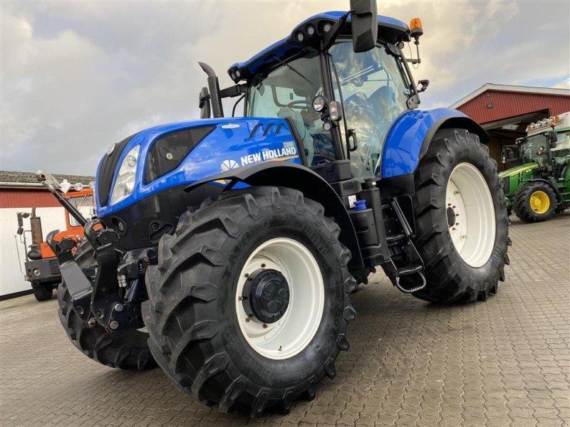 Traktor типа New Holland T7.225 AC PÅ VEJ HJEM!, Gebrauchtmaschine в Aalestrup (Фотография 1)