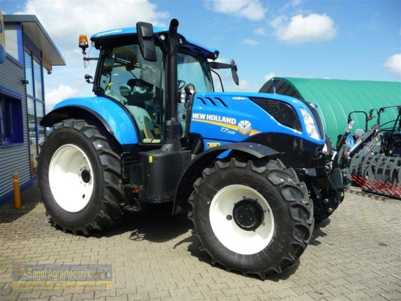 Traktor des Typs New Holland T7.225 AC Stage V, Neumaschine in Rhaunen (Bild 1)