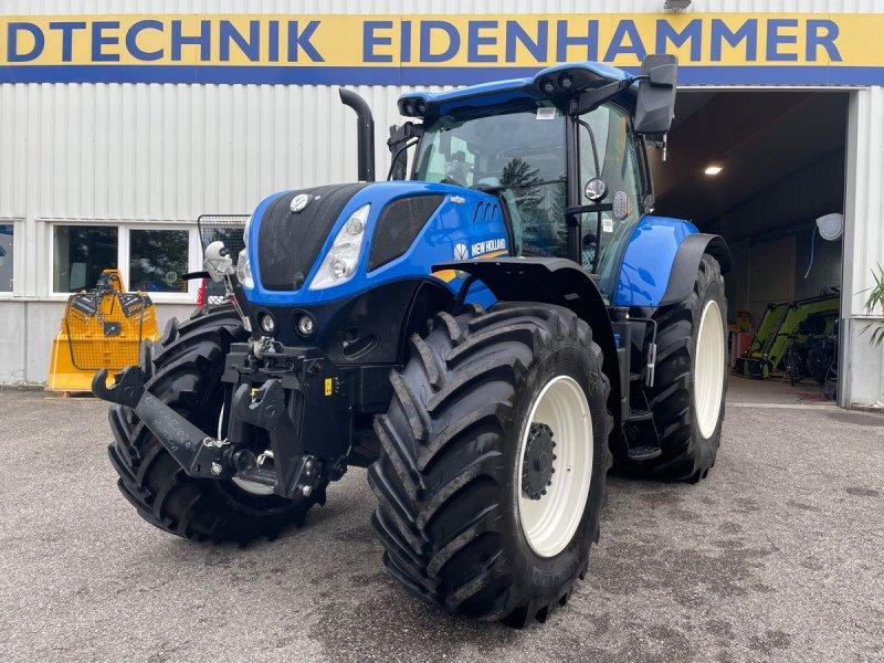 Traktor des Typs New Holland T7.230 Auto Command SideWinder II (Stage V), Neumaschine in Burgkirchen (Bild 1)