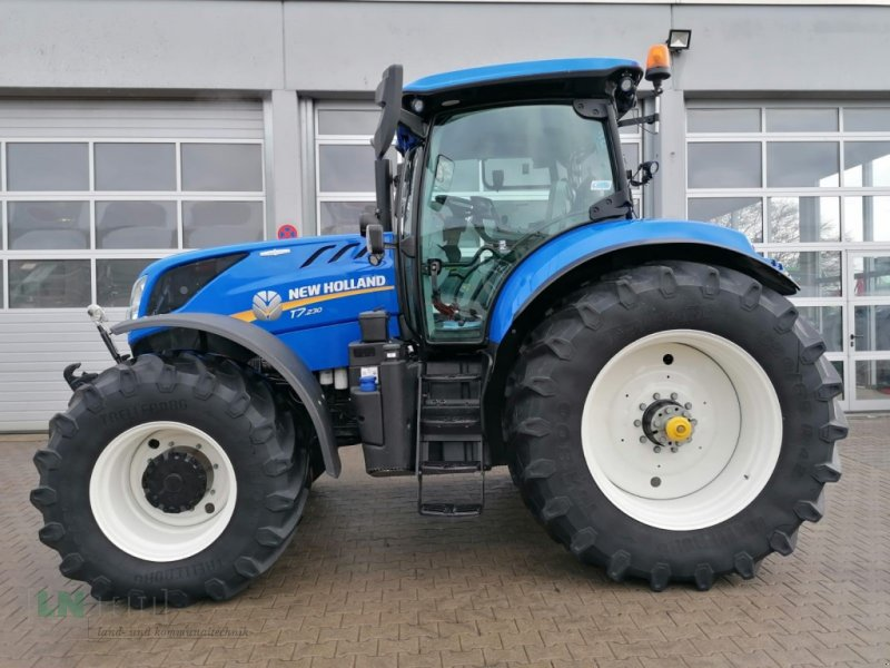 Traktor typu New Holland T7.230, Gebrauchtmaschine w Eggenfelden (Zdjęcie 1)
