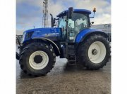 Traktor типа New Holland T7.235 A C SWII, Gebrauchtmaschine в HERLIN LE SEC