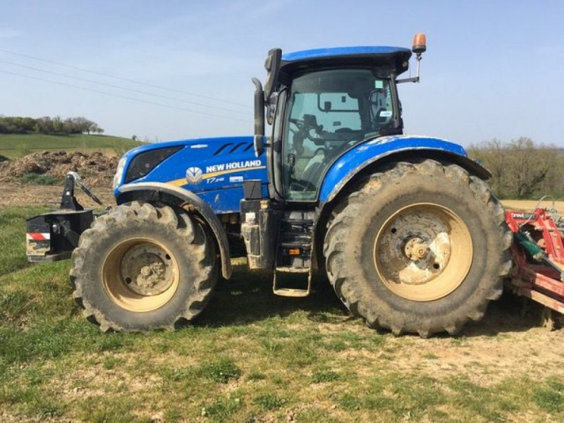 Traktor of the type New Holland T7.245 AC + GPS, Gebrauchtmaschine in Montauban (Picture 1)