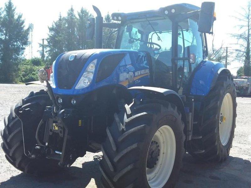 Traktor des Typs New Holland T7.245 PC S5, Gebrauchtmaschine in TREMEUR (Bild 1)
