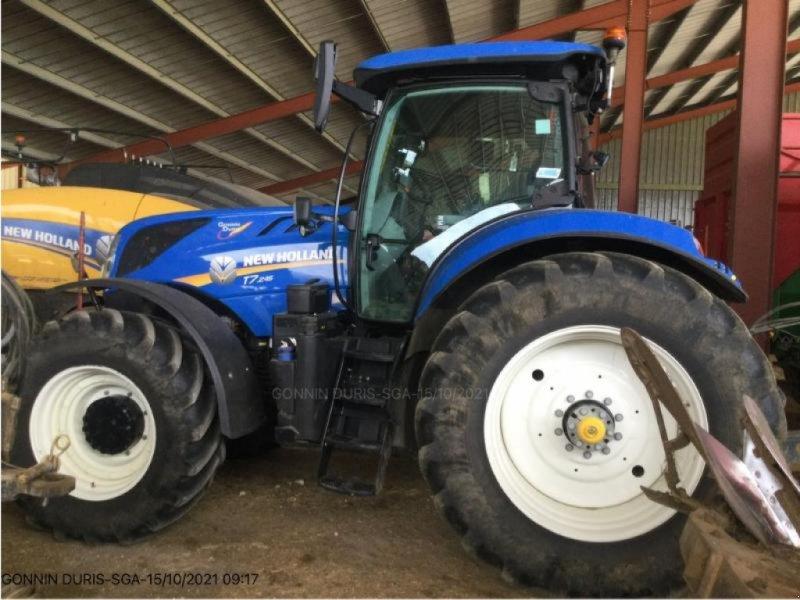 Traktor типа New Holland T7.245, Gebrauchtmaschine в NIORT (Фотография 1)