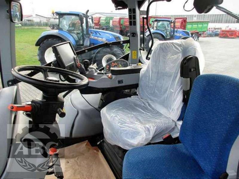 Traktor des Typs New Holland T7.250 AUTOCOMMAND, Gebrauchtmaschine in Rhede/Brual (Bild 8)