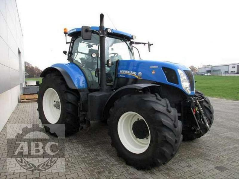 Traktor des Typs New Holland T7.250 AUTOCOMMAND, Gebrauchtmaschine in Rhede/Brual (Bild 2)