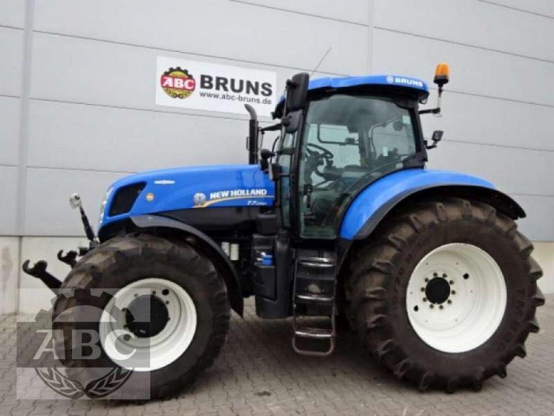 Traktor des Typs New Holland T7.250 AUTOCOMMAND, Gebrauchtmaschine in Cloppenburg (Bild 1)