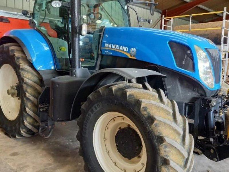 Traktor типа New Holland T7.250, Gebrauchtmaschine в SAINT LOUP (Фотография 1)