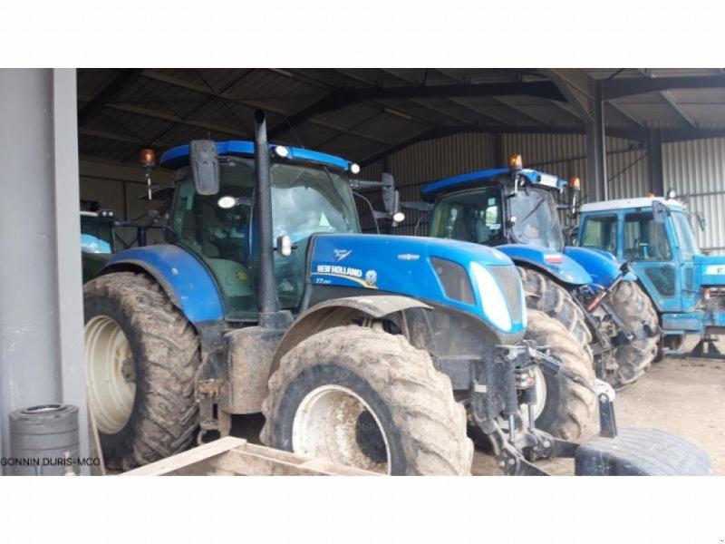 Traktor типа New Holland T7.250, Gebrauchtmaschine в ISSOUDUN (Фотография 1)
