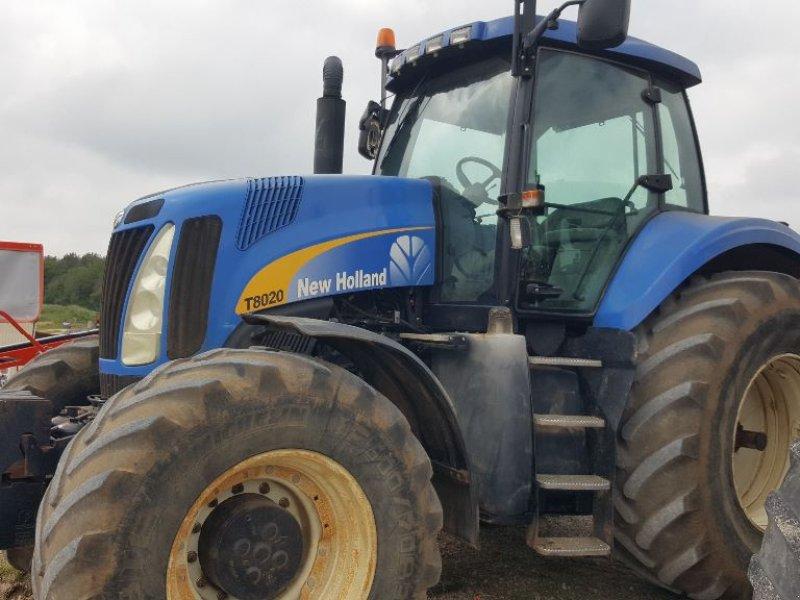 Traktor типа New Holland T8020, Gebrauchtmaschine в CHAUMONT (Фотография 1)
