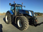 Traktor a típus New Holland T8.330, Gebrauchtmaschine ekkor: ISSOUDUN