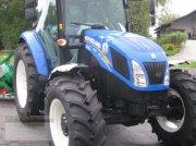 Traktor des Typs New Holland TD 5.85, Neumaschine in Fürsteneck