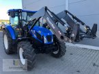 Traktor des Typs New Holland TD 5.95 in Neuhof - Dorfborn