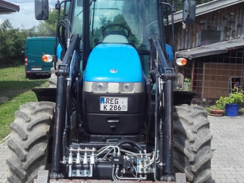 Traktor типа New Holland TD5010, Gebrauchtmaschine в Deggendorf (Фотография 4)