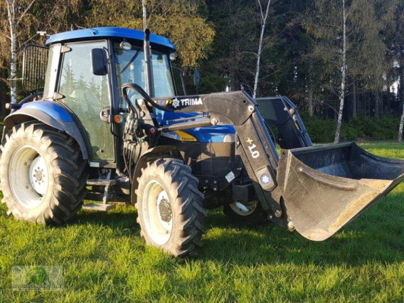 Traktor типа New Holland TD5010, Gebrauchtmaschine в Münchberg (Фотография 1)