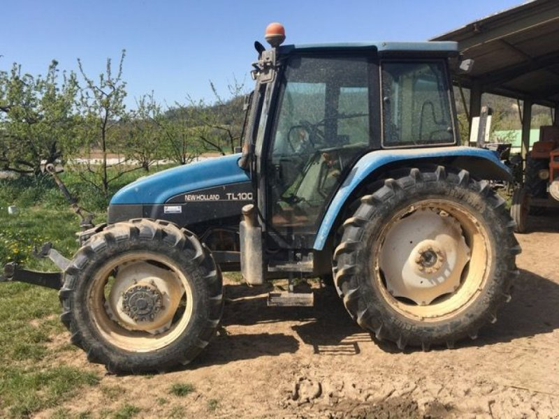 Traktor of the type New Holland TL 100, Gebrauchtmaschine in Montauban (Picture 1)