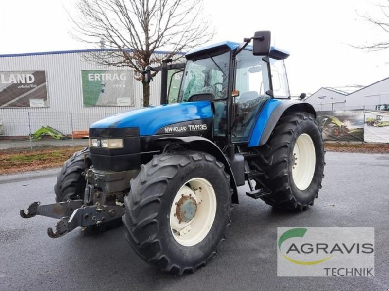 Traktor des Typs New Holland TM 135 ALLRAD, Gebrauchtmaschine in Meppen (Bild 1)